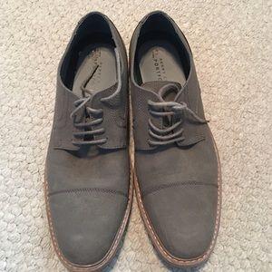 Men's Size 10 Perry Ellis Portfolio Oxford Shoes